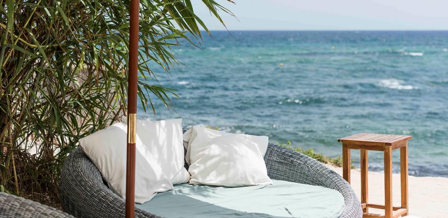 La escollera Ibiza sunbeds